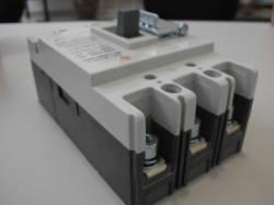 Disjuntor em caixa moldada Tripolar JNG DJM1-100L